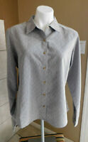 The North Face Women's Front Zip Pocket Gray Textured Long Sleeve Button Shirt L