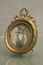 Cadre pour miniature en bronze de style Louis 16 fin 19e début 20e