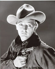 Robert Mitchum Cowboy with gun 8x10 photo T4039
