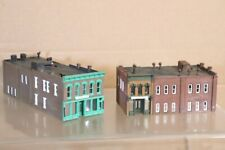 WALTHERS N SCALE AMERICAN 2 STORY CITY STORE LASER EYE UPPERCRUST BREAD BUILDING