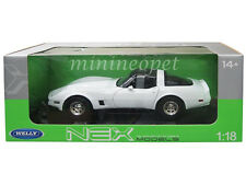 WELLY 12546 1982 CHEVROLET CORVETTE COUPE 1/18 DIECAST MODEL CAR WHITE
