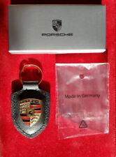 Original Porsche Schlüsselanhänger mit Wappen auf schwarzen Leder.1a TopQualität