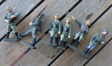 Lineol MEDIC RED CROSS OFFICER 2 x Rifle on total 6 Figures