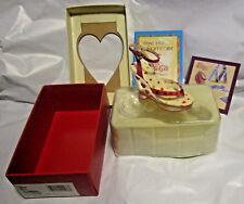 Just The Right Shoe Jtrs Raine Willitis Heart Throb 4th Valentine Shoe 25576