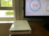 Nintendo Wii with 10K+ games. Ultra Game Cube Edition. Read description.