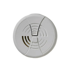 FIRST ALERT Smoke Fire Alarm Detector w/ 9v Battery