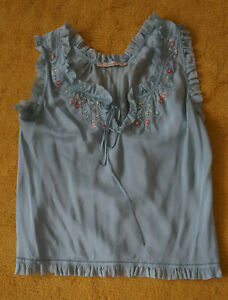 Bluse der Marke Blumarine,Größe 38,100% Seide, türkis mit Stickereien und Perlen