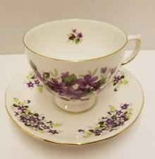 QUEEN ANNE FINE BONE CHINA~VIOLETS TEA CUP & SAUCER~GOLD ACCENTS~EXCELLENT COND