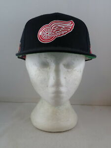 Detroit Red Wings Hat (VTG) - Classic Logo by Sports Specialties -Adult Snapback