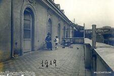 BAMBINI E GIOCATTOLI :   BAMBINA  E CAVALLO A DONDOLO -FOTO PRIVATA 1919
