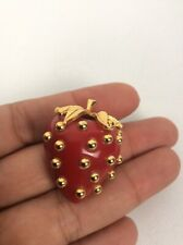Beautiful  vtg. KJL Kenneth Jay Lane Red Lucite Strawberry Gold Tone pin brooch