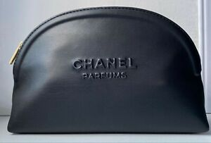 CHANEL COSMETIC/MAKEUP BAG POUCH CLUTCH BLACK NEW 2020 VIP GIFT