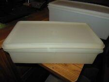 VTG Tupperware Sheer Clear 677-2 Food Storage 11in × 5.5 in