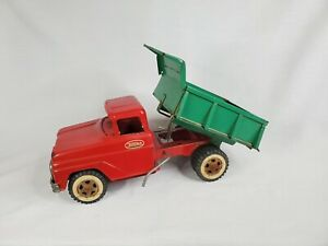 Vintage Tonka 1950's - 60's Mound Minn. Pressed Metal Dump Truck - Red / Green.
