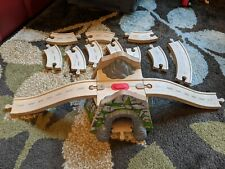 THOMAS & FRIENDS~THE TRAIN~2002~MOUNTAIN TUNNEL ROADWAY WOOD TRACK SET~WOODEN