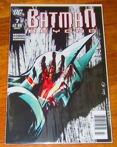 DC COMIC BATMAN BEYOND # 7 SEPT 2011 NEWSSTAND ISSUE
