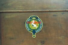 PHOTO  1994 DUNGENESS ROMNEY HYTHE AND DYMCHURCH RAILWAY COAT OF ARMS ON ONE OF