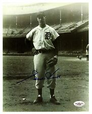 Gordie Howe, 1957 reprint 8 x 10 Photo w/autograph, Detroit Tiger or Red Wing?