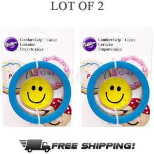 Wilton Circular Comfort Silicone Lined Grip Cookie Cutter 4 Inch - Lot of 2