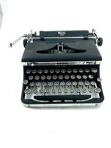 ROYAL QUIET Portable Typewriter with Hard Case