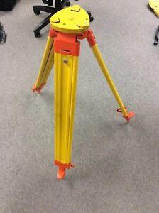 Wild Heerbrugg GPS GST20 Extendable Wooden Leg Surveyors Tripod