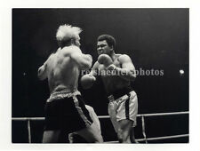 Muhammad Ali boxing Richard Dunn, Original-vintage Photo from 1976