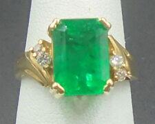 Beautiful Emerald 3.51 ct Ring 14k yellow gold with diamonds