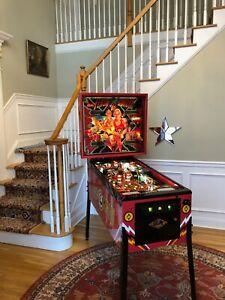 Beautifully restored! Flash Gordon 1981 Bally pinball machine! New playfield!