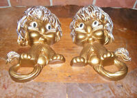 VINTAGE PAIR 1976 HOMCO GOLD LION WALL PLAQUES Towel Holders