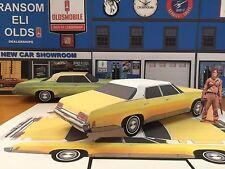 Papercraft 1973 Oldsmobile Delta 88 4dr Evil Dead Movie Car Paper Car Ezu-make