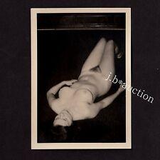 NUDE WOMAN AT HOME / NACKTE FRAU ZUHAUSE AKTFOTO * Vintage 50s Amateur Photo #23