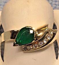 LADIES PEAR SHAPED EMERALD + DIAMOND RING, SET IN 14K YELLOW GOLD RETAIL $1020.0