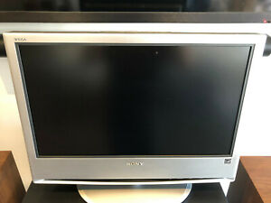 """Sony WEGA KLV-S23A10 - 23"""" LCD TV - Gaming SUPER CLEAN W/ REMOTE, WORKS WELL"""