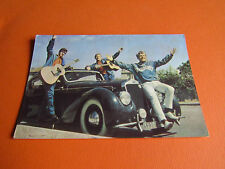CPA N°738 LES TRAVELLERS GROUPE CHANTEURS MUSICIENS 60's  YEYE CARTE POSTALE