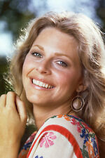Lindsay Wagner smiling The Bionic Woman 11x17 Mini Poster
