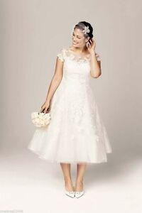 Plus Size Custom Made Elegant Short Sleeve Applique A-Line Wedding Dresses