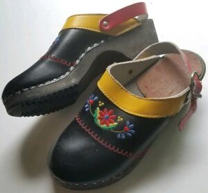 Hanna Andersson Swedish Clogs Red Black Leather Slip On Shoes Ankle Strap Floral