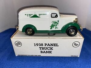 1993 Ertl 1938 Panel truck Mt St. Helen's TT race coin bank limited edition 2304