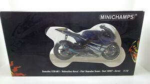 MINICHAMPS Yamaha M1 Valentino Rossi 2007 test Jerez scala 1/12 code 122073156