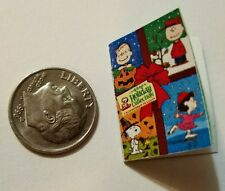 Miniature dollhouse Christmas book  1/12 Scale Charlie Brown Snoopy Peanut Lucy