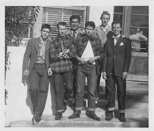 ROCKABILLY BEEFCAKE BUDDIES FASHIONABLE YOUNG MEN FRIENDS GAY INT VTG PHOTO 462