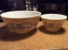 PYREX Homestead Beige Tan Blue Speckled Bowls Large and Small USA