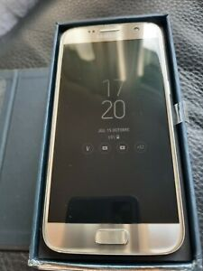 Smartphone Samsung Galaxy S7 SM-G930 (Dernier Modèle) - 32 Go- Silver Titanium