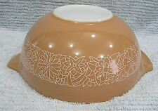 Vintage Pyrex Glass Brown 2.5 qt Woodland 443 Cinderella Mixing Bowl FREE S/H