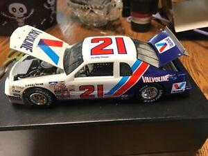 Buddy Baker #21 Valvoline 1983 Thunderbird Historical Series 1:24 Scale Diecast