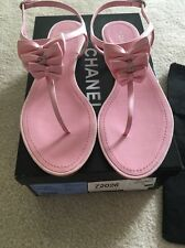 AUTH CHANEL Entre Doigts CC In Diamond- Rose Pink Thong T-Strap Sandals Size 8.