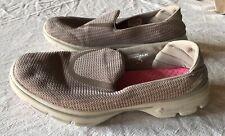 BEIGE SKECHERS GO WALK 3 SLIP ON SHOES SNEAKER WIDE WOMEN'S 8.5 COMFORT EUC NICE