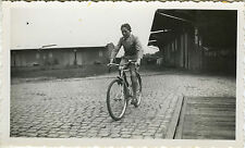 PHOTO ANCIENNE - VINTAGE SNAPSHOT - VÉLO BICYCLETTE ENFANT - BIKE BICYCLE CHILD