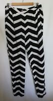 FRENCH CONNECTION ~ Black White Chevron Zig-Zag Viscose Tapered Leg Pants 12