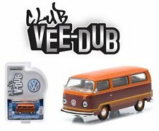 GREENLIGHT 1:64 CLUB V-DUB - 1978 VOLKSWAGEN TYPE 2 CHAMPAGNE EDITION II BUS